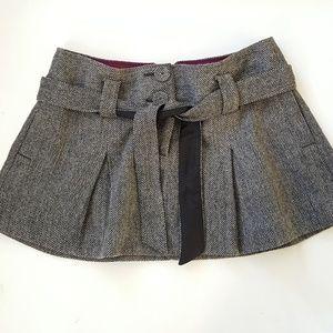 American Eagle wool mini skirt size 6, mini skirt.